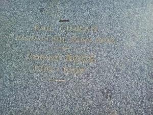 Tomba Cioran scritte